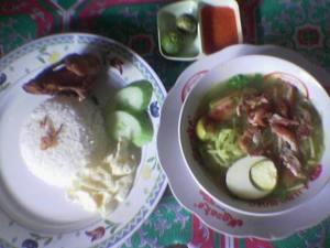 Nasi soto dengan cinta.