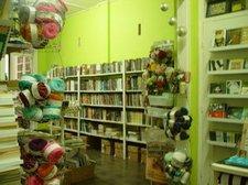 Tampilan fresh di toko buku Tobucil, Bandung