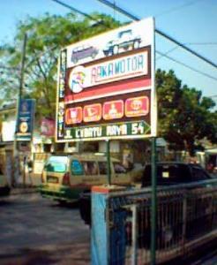 Plang Raka Motor, terlihat dari tepi jalan Cibatu Raya, Antapani, Bandung.