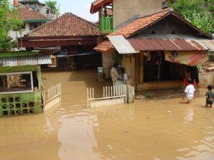 Banjir di Bandung Selatan, 4 Desember 2008. Daerah rendah yang menjadi langganan banjir tiap musim hujan.