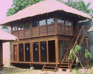rumah tingkat dari kayu